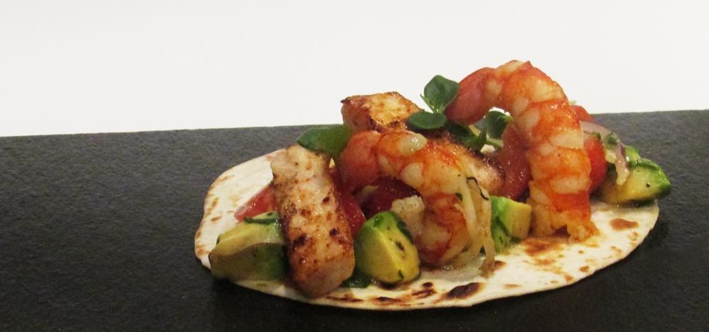 Terranova recetas Tacos de pez espada y gambones