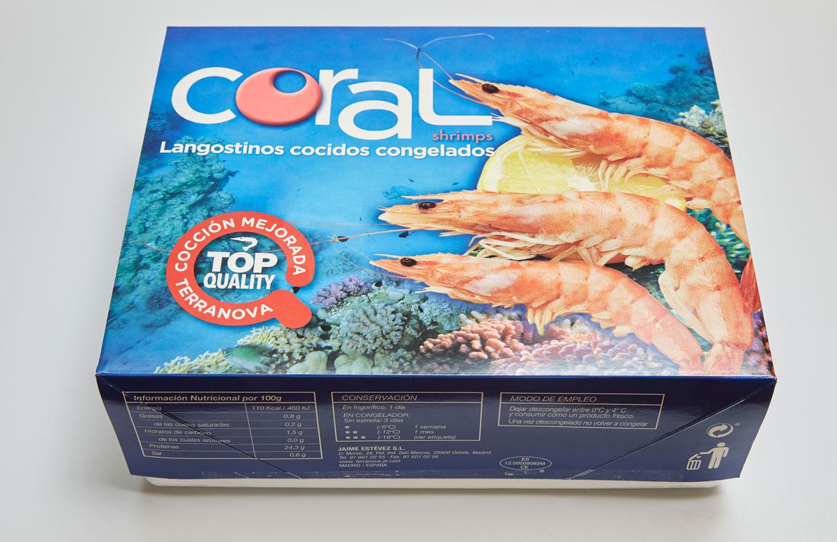Envase de langostinos cocidos congelados
